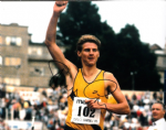 Steve Cram, Athlete,  genuine signed autograph 10391